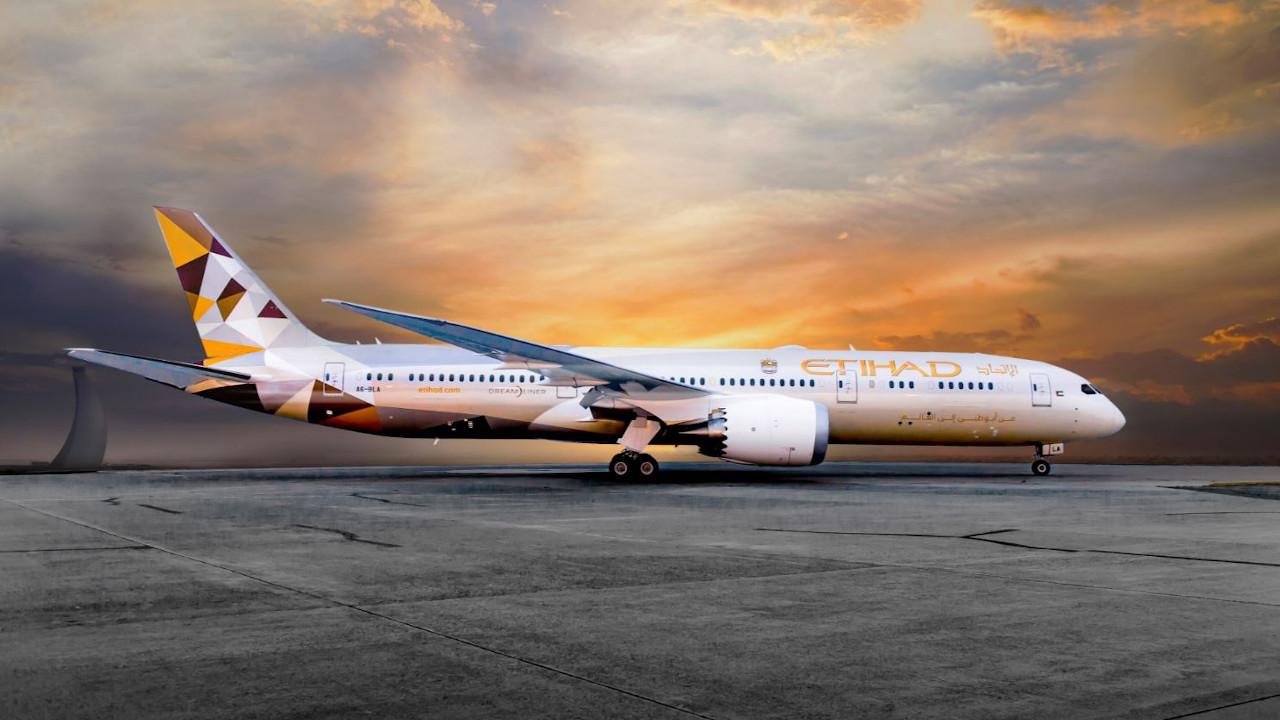 الاتحاد للطيران يعلن إجراءات جديدة لفحص كورونا اعتبارًا من أغسطس