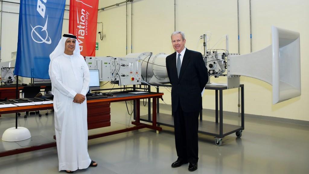 بوينغ تقدّم نفق هوائي كمنحة لجامعة الإمارات للطيران