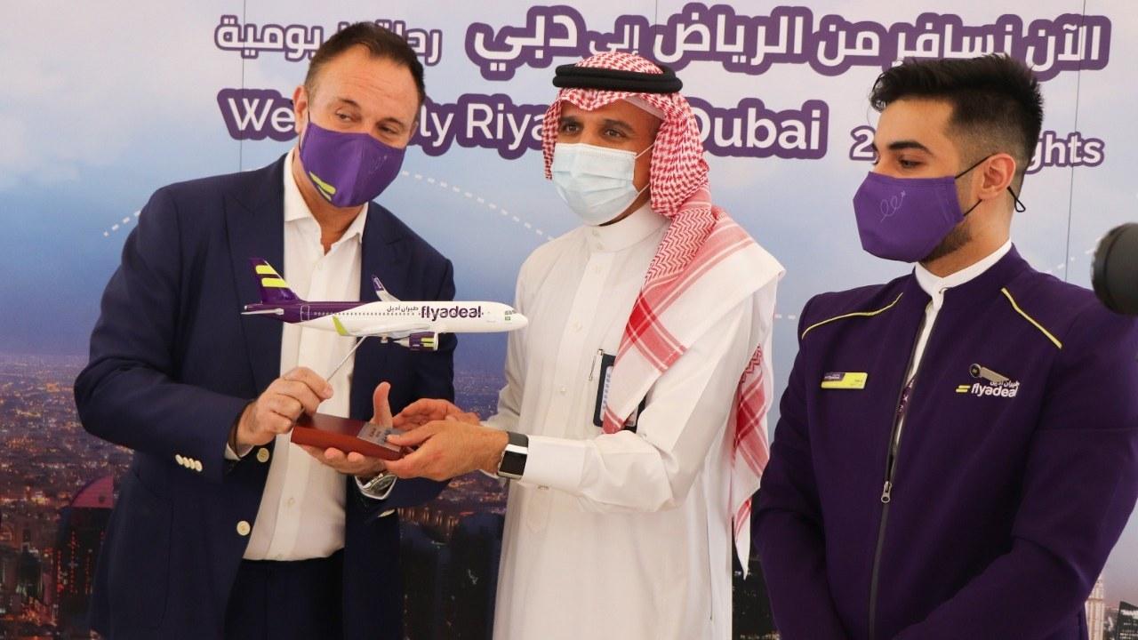 طيران أديل تشغّل أولى رحلاتها الدولية إلى دبي